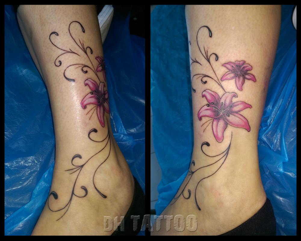 tattoo blumenranke arm tattoos mit bedeutung tattoo am. Black Bedroom Furniture Sets. Home Design Ideas