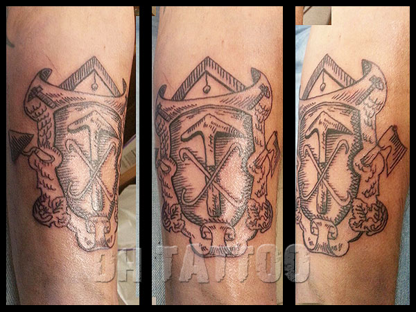 Dachdecker Zunftzeichen Tattoo